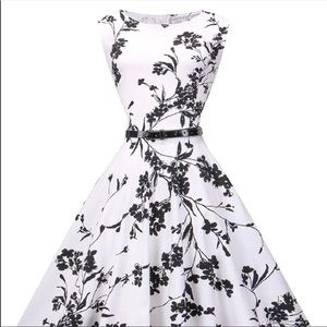 Dresses & Skirts - Vintage style black and white floral dress